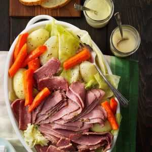 Favorite-Corned-Beef-and-Cabbage_EXPS_CWFM17_4153_A10_11_4b-2-696x696